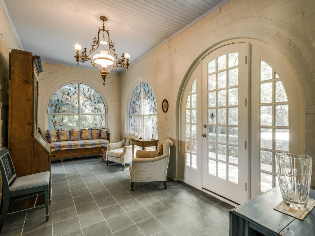 Sold Property | 6748 Lakewood Boulevard Dallas, Texas 75214 7
