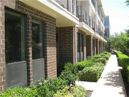 Leased | 2606 Shelby  Avenue #302 Dallas, TX 75219 2