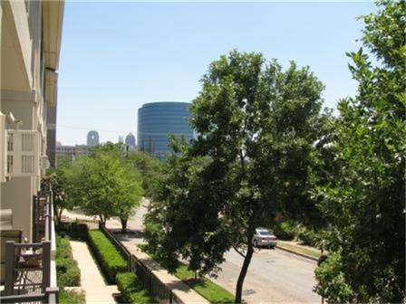 Leased | 2606 Shelby  Avenue #302 Dallas, TX 75219 3