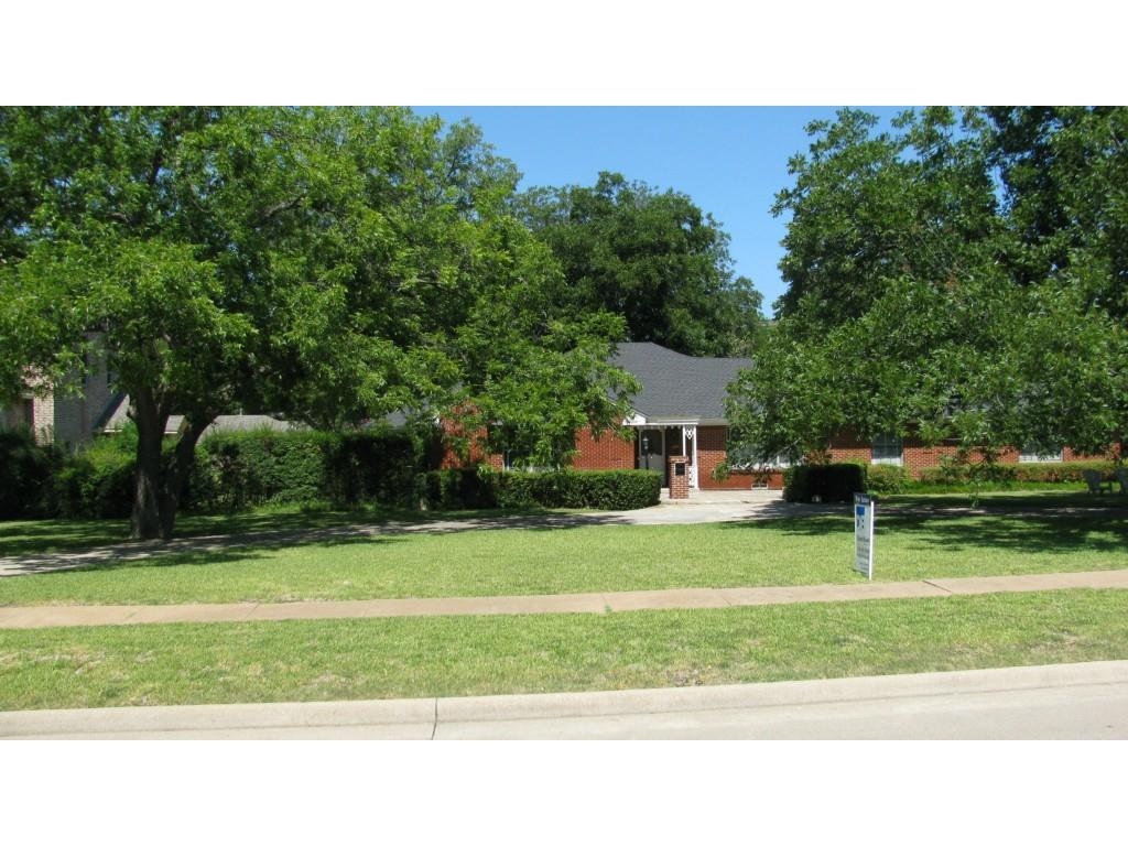 Leased | 8379 Forest Hills Boulevard Dallas, Texas 75218 0