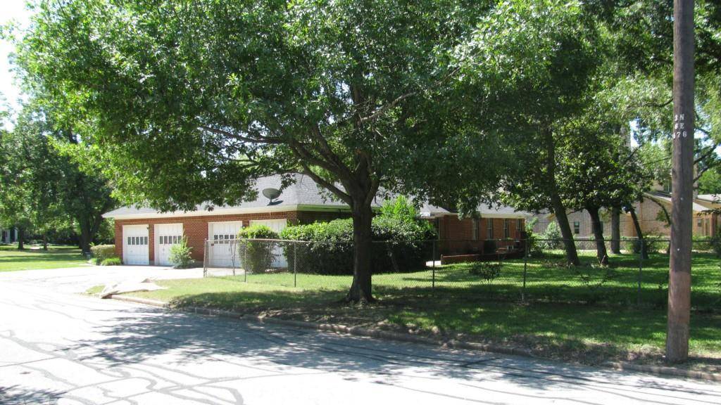 Leased | 8379 Forest Hills Boulevard Dallas, Texas 75218 4