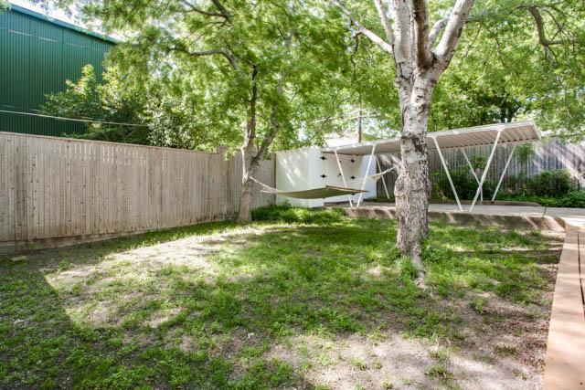 Leased | 1815 Loving  Avenue Dallas, TX 75214 24