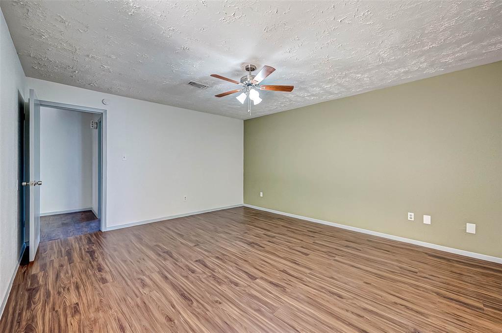 Active   13123 Benford  Drive Houston, TX 77099 32