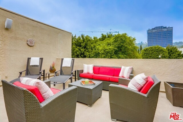 Closed | 930 N WETHERLY  Drive #302 West Hollywood, CA 90069 44