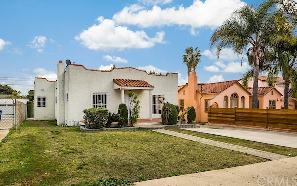 Closed | 5324 Hillcrest Drive Los Angeles, CA 90043 4