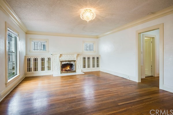 Closed | 5324 Hillcrest Drive Los Angeles, CA 90043 12