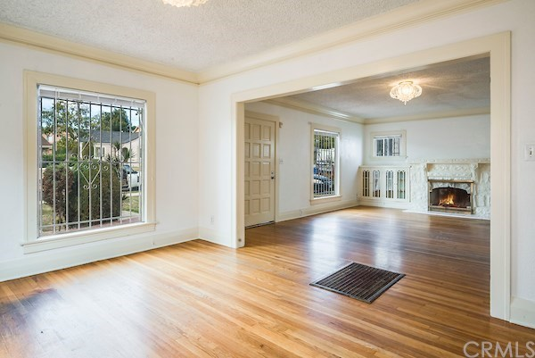 Closed | 5324 Hillcrest Drive Los Angeles, CA 90043 16