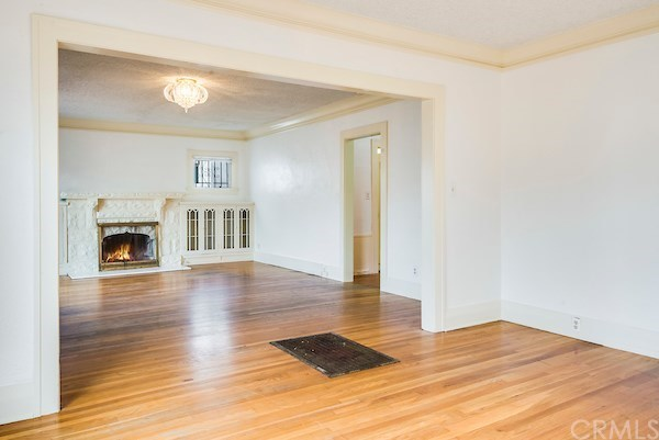 Closed | 5324 Hillcrest Drive Los Angeles, CA 90043 22