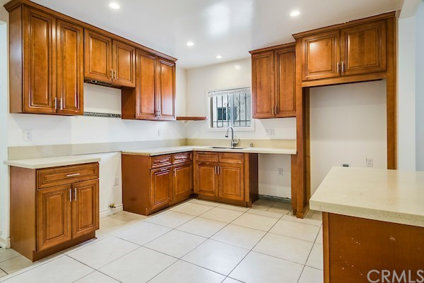 Closed | 5324 Hillcrest Drive Los Angeles, CA 90043 23