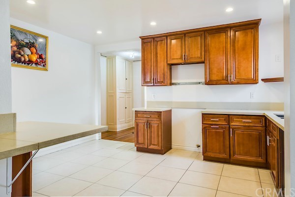 Closed | 5324 Hillcrest Drive Los Angeles, CA 90043 25