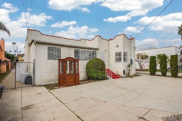 Closed | 5324 Hillcrest Drive Los Angeles, CA 90043 45