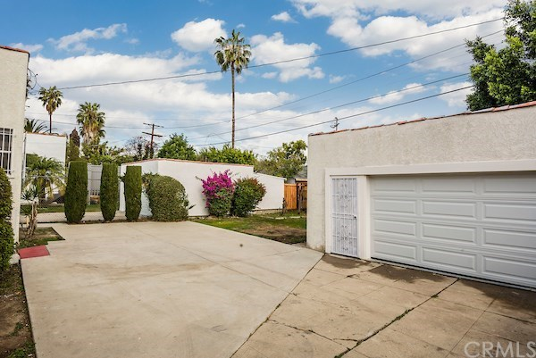 Closed | 5324 Hillcrest Drive Los Angeles, CA 90043 47
