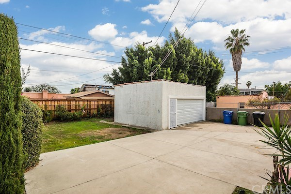 Closed | 5324 Hillcrest Drive Los Angeles, CA 90043 51