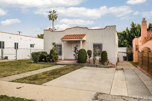 Closed | 5324 Hillcrest Drive Los Angeles, CA 90043 53