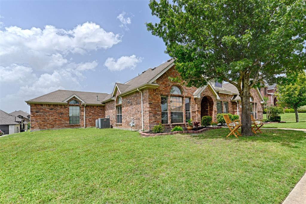 Pending | 233 Brentwood  Drive DeSoto, TX 75115 2