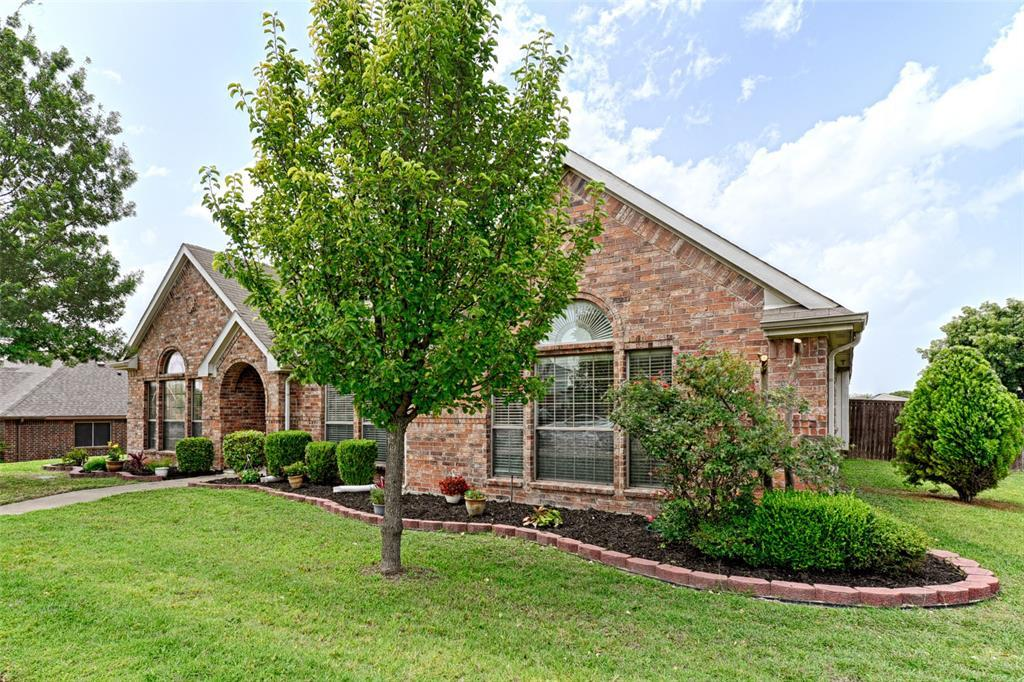 Pending | 233 Brentwood  Drive DeSoto, TX 75115 3