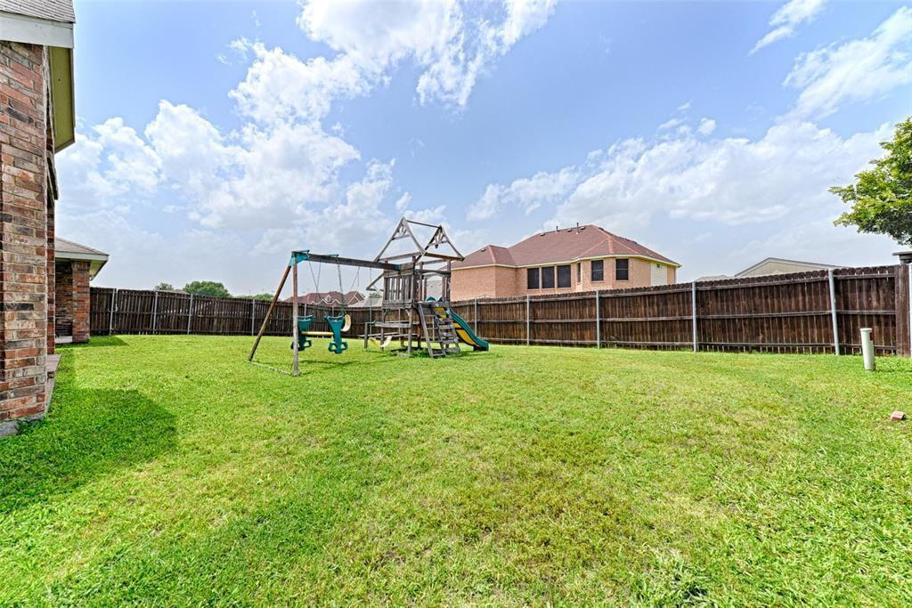 Pending | 233 Brentwood  Drive DeSoto, TX 75115 34