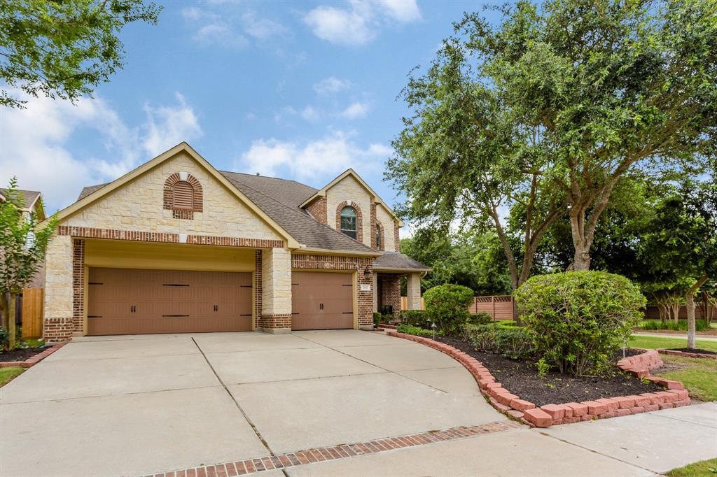 Active | 702 Newington  Lane Sugar Land, TX 77479 1
