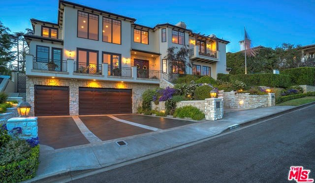 Closed | 621 8TH Street Manhattan Beach, CA 90266 0