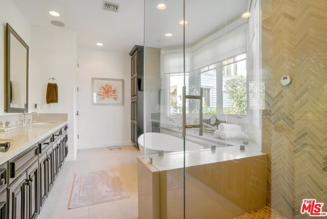 Closed | 621 8TH Street Manhattan Beach, CA 90266 22