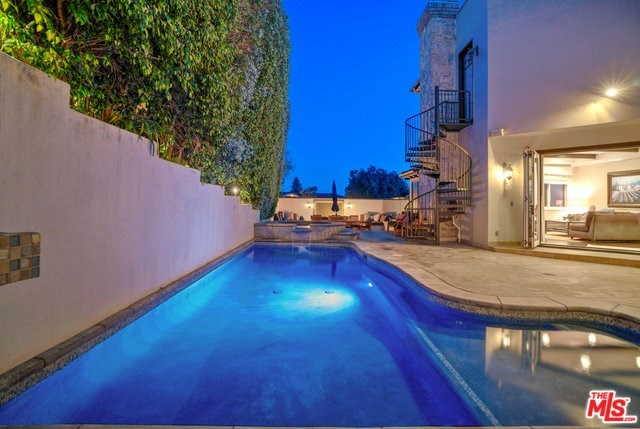 Closed | 621 8TH Street Manhattan Beach, CA 90266 35