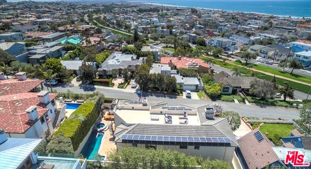 Closed | 621 8TH Street Manhattan Beach, CA 90266 41
