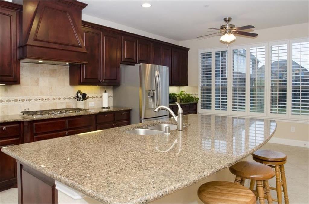 Sold Property | 424 Aylesbury Drive Roanoke, TX 76262 3