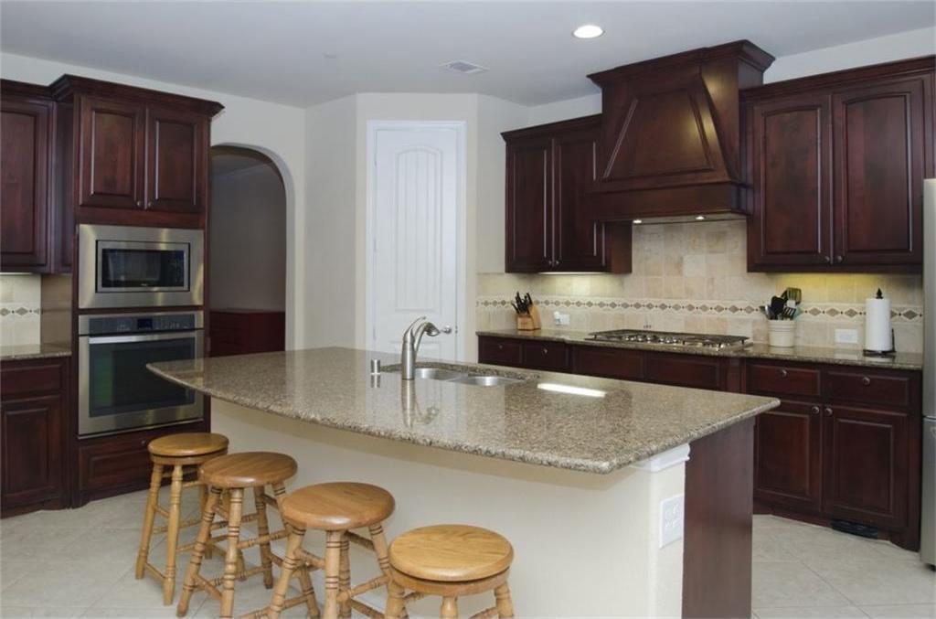Sold Property | 424 Aylesbury Drive Roanoke, TX 76262 4