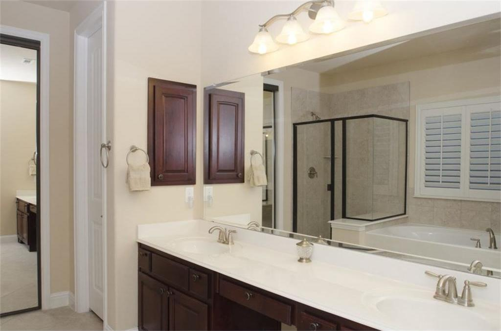 Sold Property | 424 Aylesbury Drive Roanoke, TX 76262 8