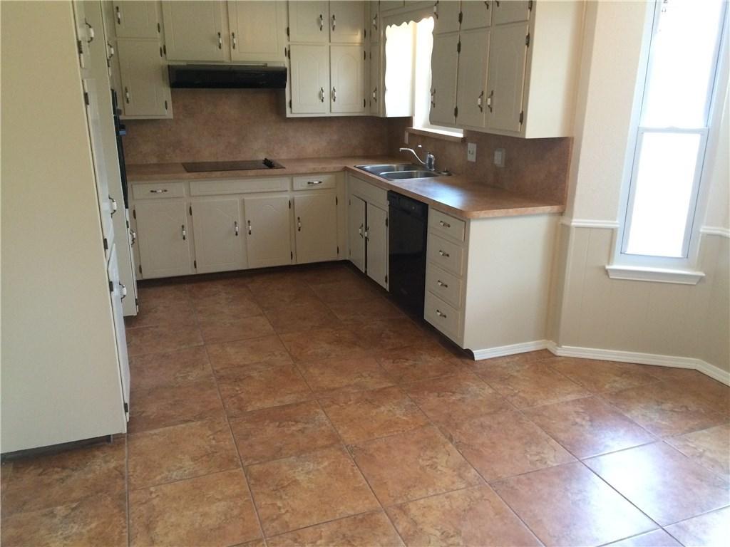 Leased | 7721 Briarridge Court North Richland Hills, Texas 76182 5