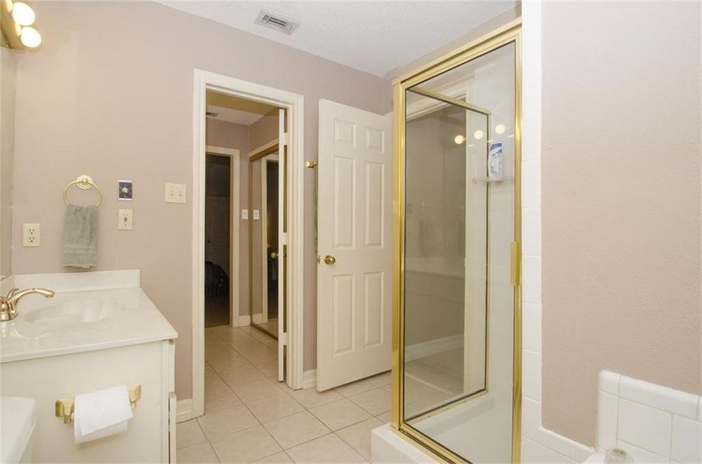 Sold Property | 4716 Village Oak Drive Arlington, Texas 76017 13