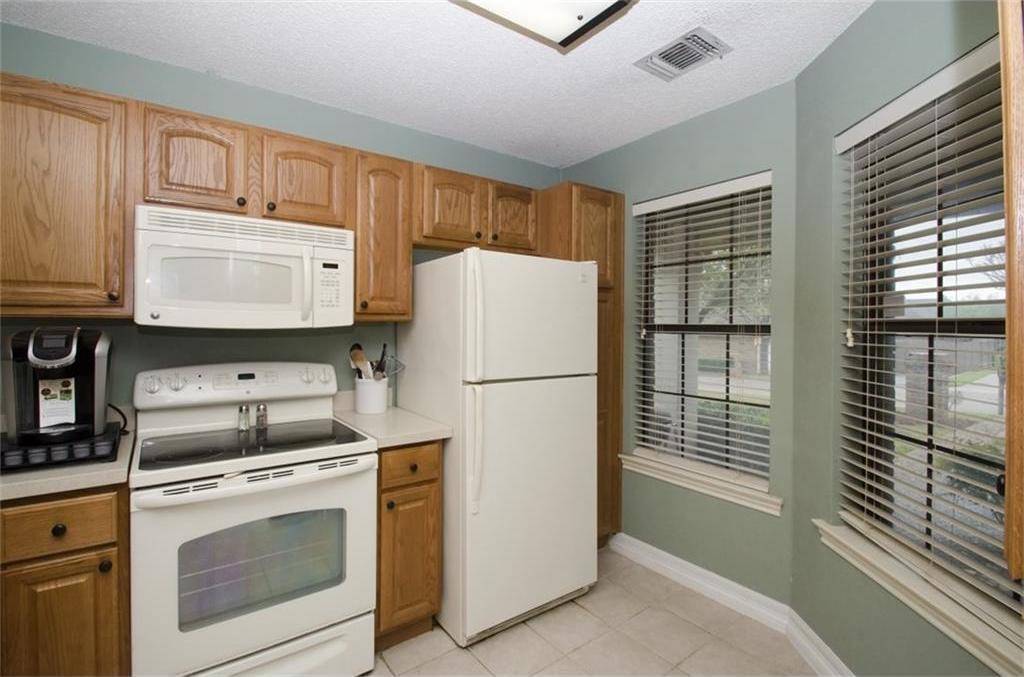 Sold Property | 4716 Village Oak Drive Arlington, Texas 76017 4