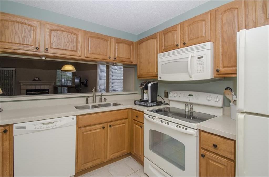Sold Property | 4716 Village Oak Drive Arlington, Texas 76017 5