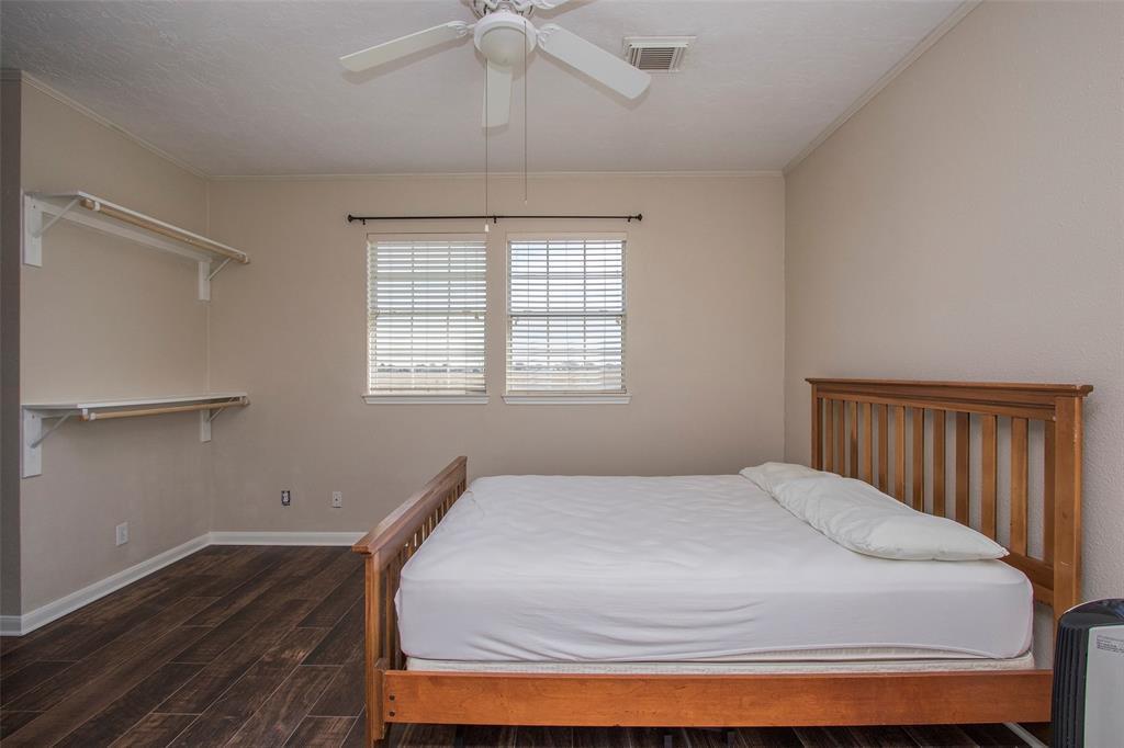 Active | 17551 Mathis  Road Waller, TX 77484 35