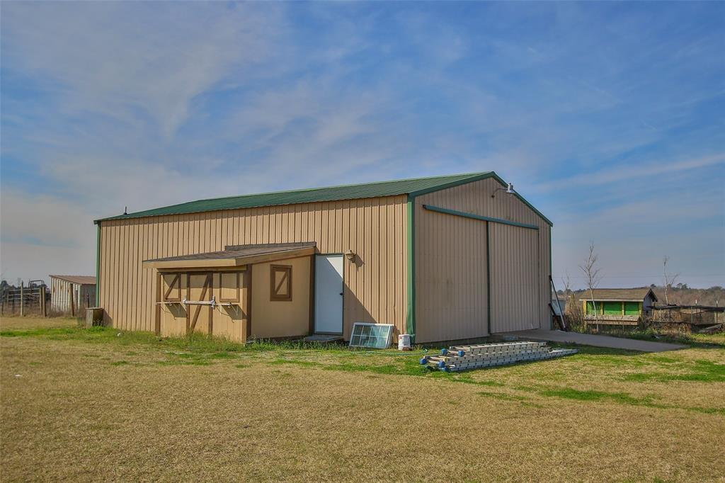 Active | 17551 Mathis  Road Waller, TX 77484 40