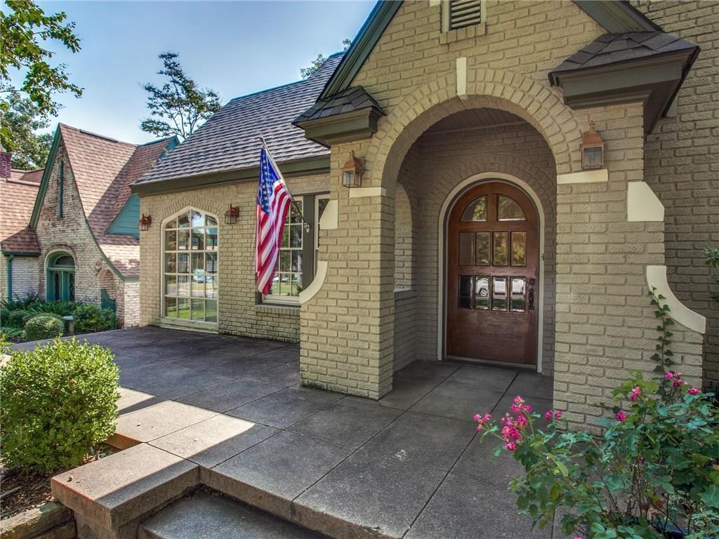 Sold Property | 6230 Tremont Street Dallas, Texas 75214 2