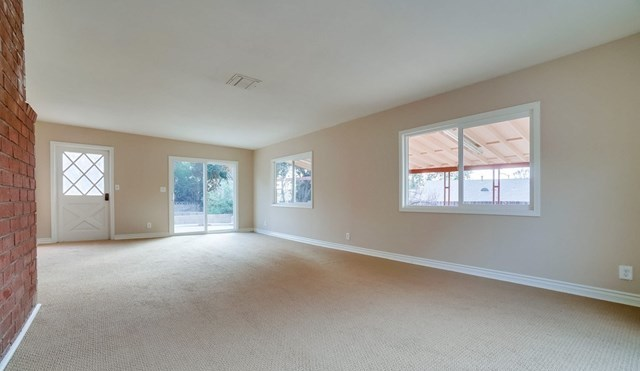 Closed | 1963 Chapman Road Claremont, CA 91711 37