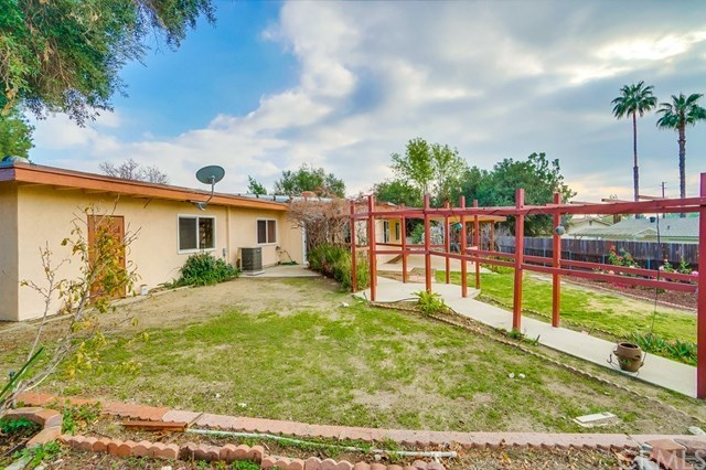 Closed | 1963 Chapman Road Claremont, CA 91711 50