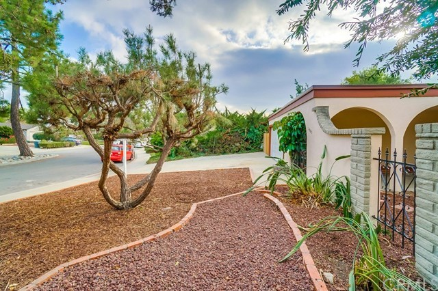 Closed | 1963 Chapman Road Claremont, CA 91711 7