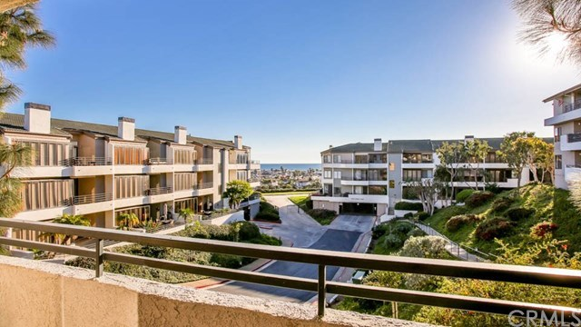Closed | 220 Nice Lane #107 Newport Beach, CA 92663 30
