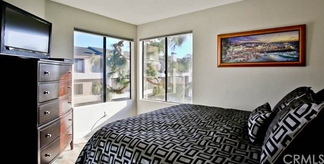 Closed | 220 Nice Lane #107 Newport Beach, CA 92663 21