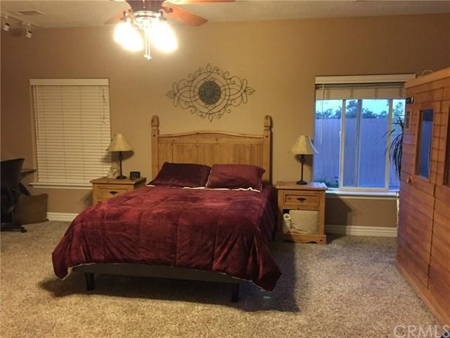 Closed | 7350 Rodeo Road Oak Hills, CA 92344 23