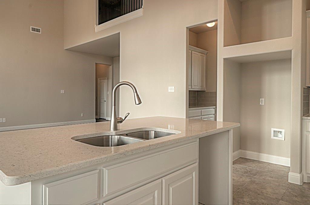 Sold Property | 6925 Costa Del Sol Court Arlington, Texas 76001 11