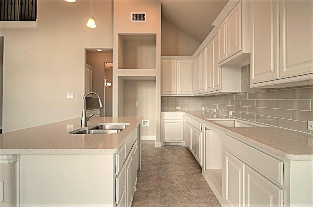 Sold Property | 6925 Costa Del Sol Court Arlington, Texas 76001 12