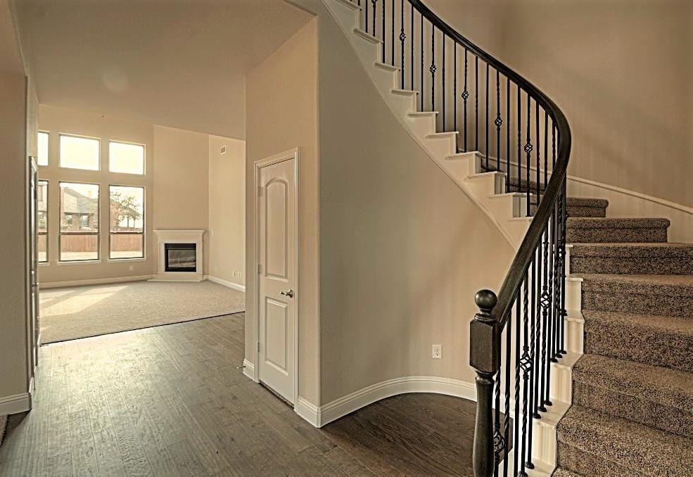 Sold Property | 6925 Costa Del Sol Court Arlington, Texas 76001 2