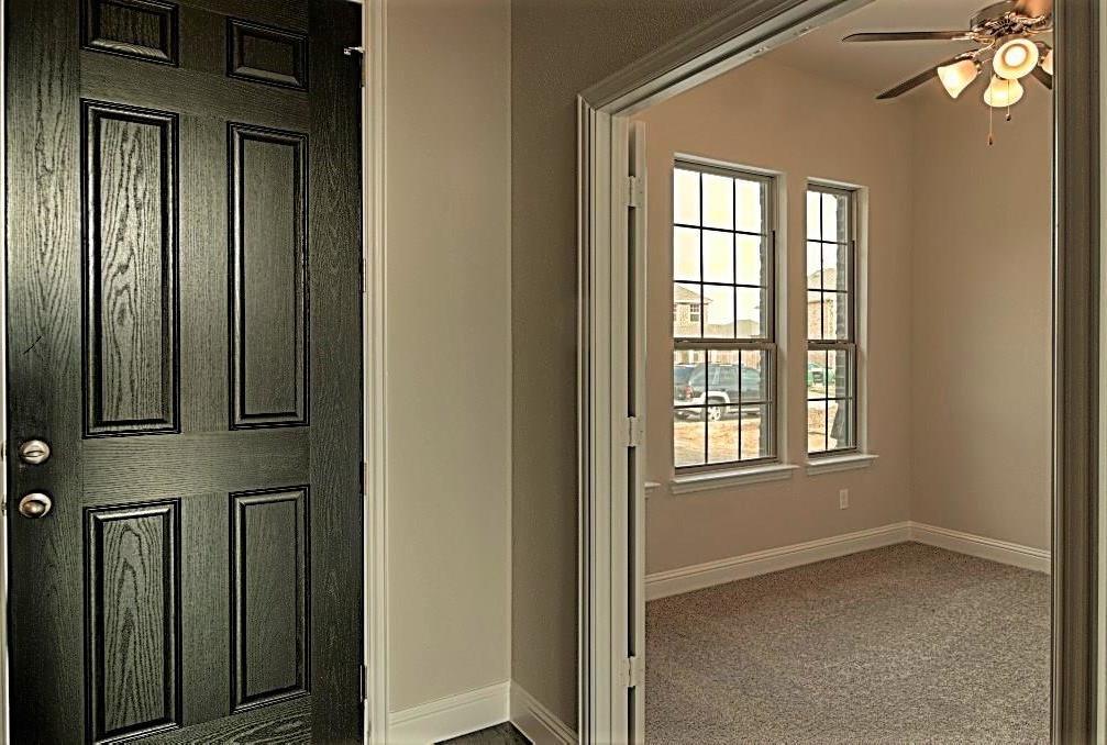 Sold Property | 6925 Costa Del Sol Court Arlington, Texas 76001 3