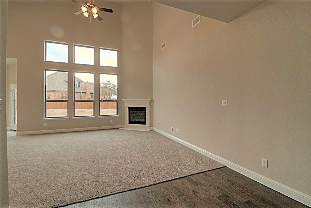 Sold Property | 6925 Costa Del Sol Court Arlington, Texas 76001 8
