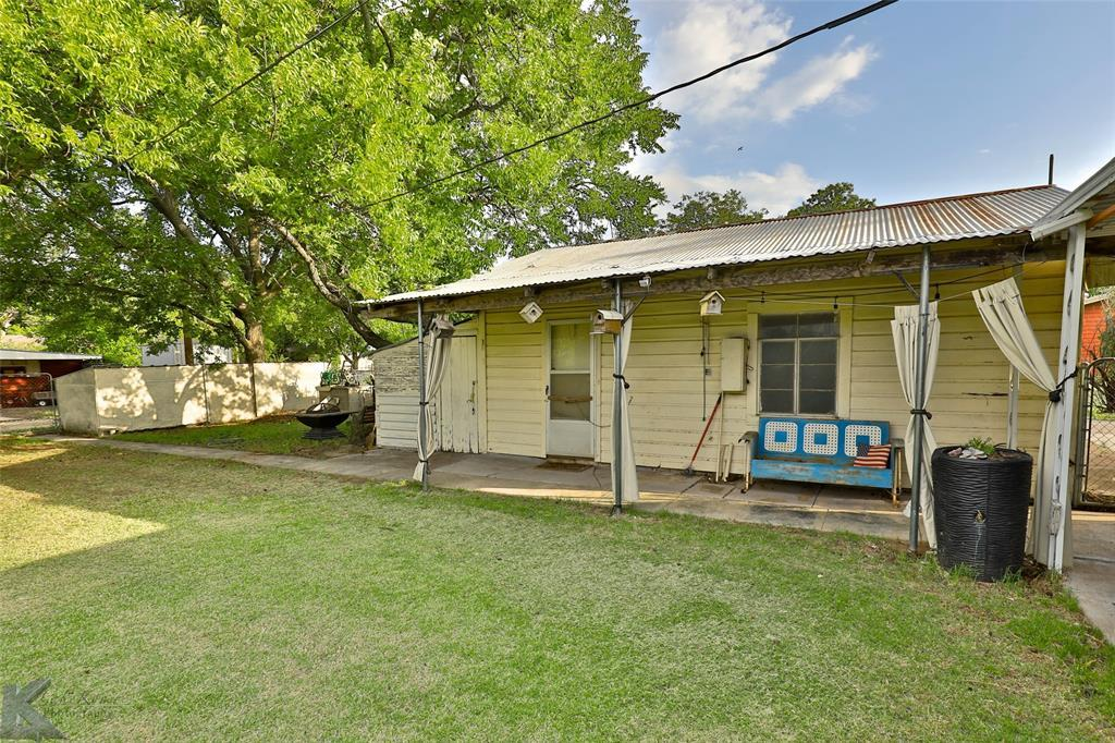 Active Option Contract | 432 Kennedy  Street Clyde, TX 79510 21