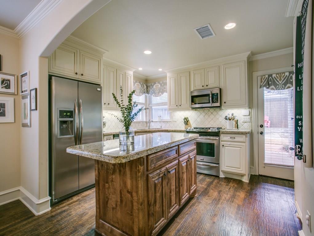 Sold Property | 6447 Vanderbilt Avenue Dallas, Texas 75214 11