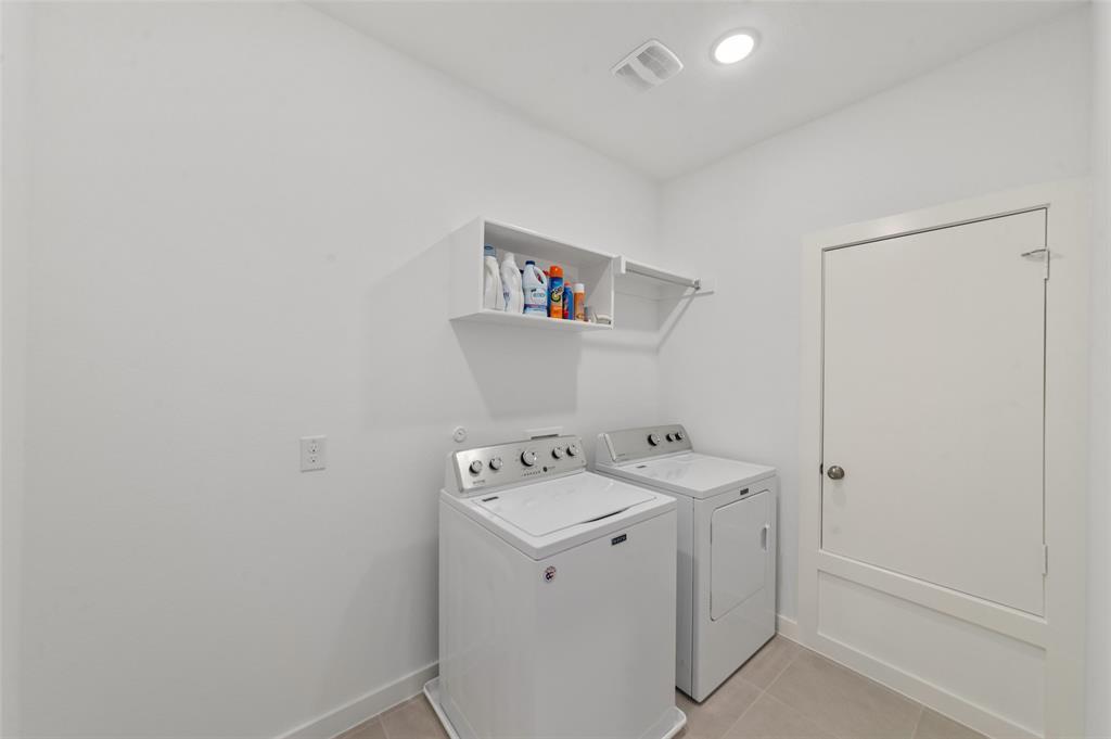 Sold Property   1421 ALBERTI Avenue Plano, Texas 75075 21